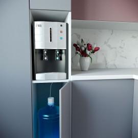 Встроенный кулер для воды Ecotronic V40-U4T INSIDE в  интерьре кухни с отдельной бутылью
