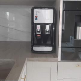 Кулер встроенный Есоtrоnic-V11U4Т INSIDE Black в интерьере кухни